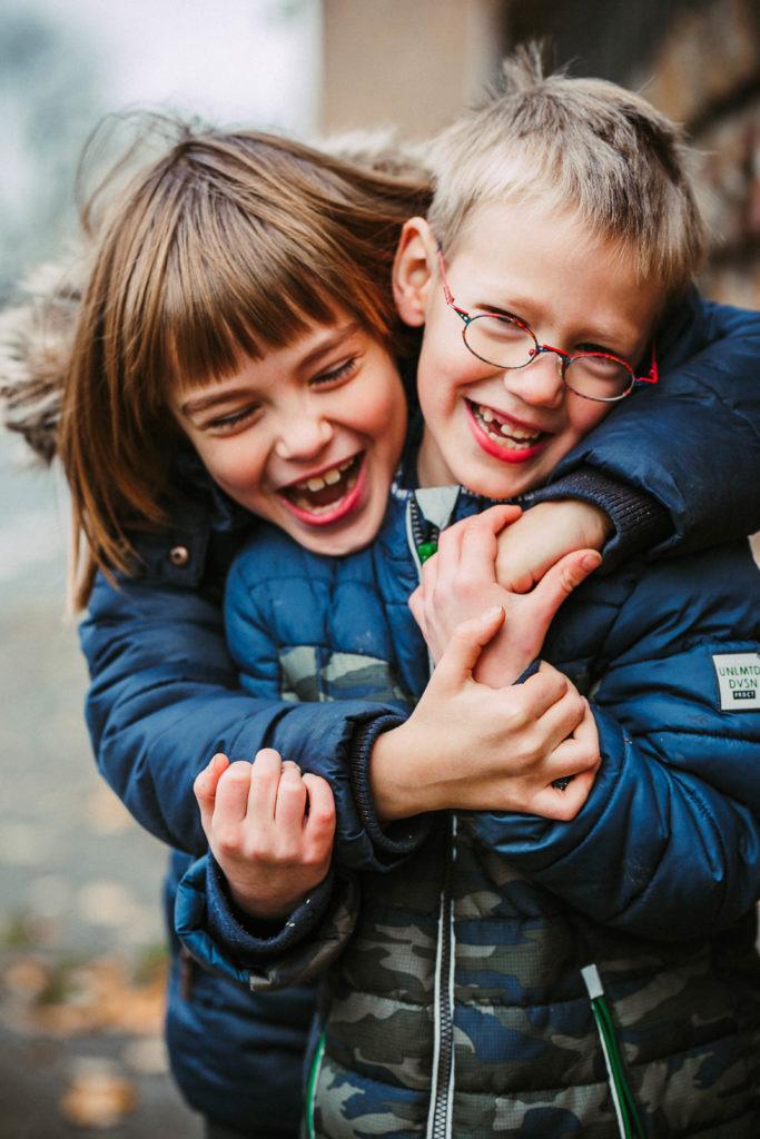 Geschwistershooting, www.derbesteaugenblick.de